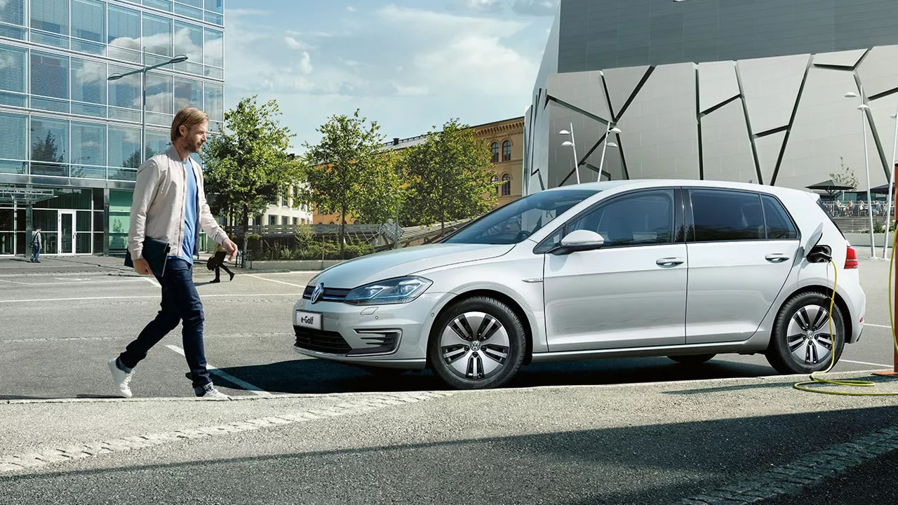 Volkswagen E Golf 2